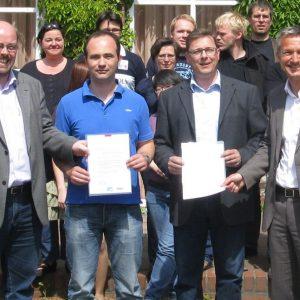 v. l.: Dr. Markus Trümmer (Leiter der SPD-Kommunalakademie), Andreas Albrecht und Christoph Welter (SPD-Fraktion Moers), Frank Baranowski (Oberbürgermeister der Stadt Gelsenkirchen, SPD)