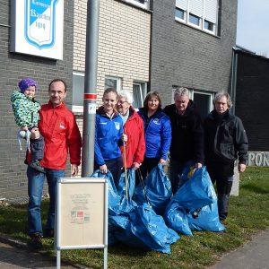 Auf dem Foto von Links nach rechts: Ben und Andreas Albrecht, Kira Vogel, Hermine Kurz, Gertrud und Andreas Vogel sowie Jürgen Kohl.